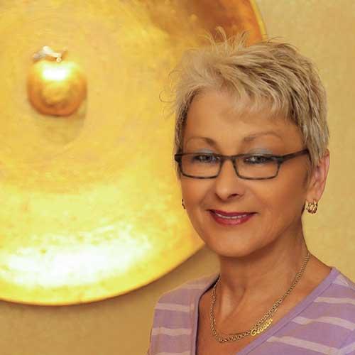 """<b>Gisela Anders</b> seit über 30 Jahren an der Rezeption – der """"Spieß der Kompanie"""