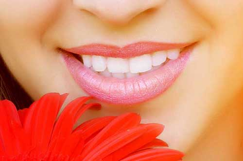 Natürlicher sind nur die eigenen Zähne