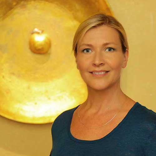 <b>Ingrid Fiesel</b> Keramik-Spezialistin für gaaaanz schwierige Fälle